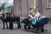 Kerstman in arrenslee (5)