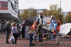 Fluitende bouwvaksters op de Tilburgse markt